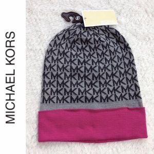 Michael Kors Logo Knit Hat